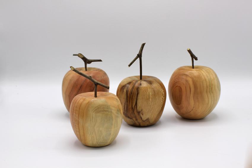 Tourner une pomme par Tristan