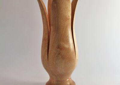 Vase en bois d'aulne.
